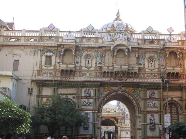 Swaminarayan temple, Kalupur, Ahmedabad. We reached at sharp 8 am.