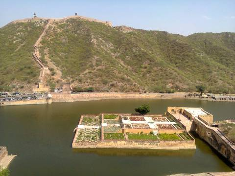 The garden in the middle of a lake, Amer fort.